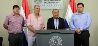 Gobernador de Itapúa e Intendentes Municipales en reunión de trabajo con el Presidente de la República del Paraguay.
